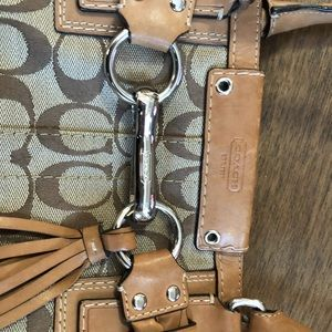 Coach Bags - Coach bag tan with cute buckle